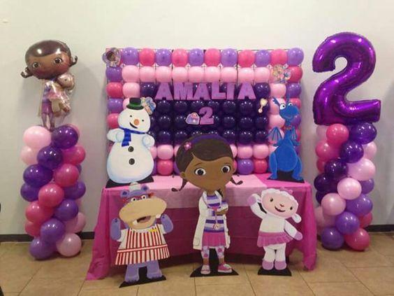 Como decorar una fiesta de doctora juguetes