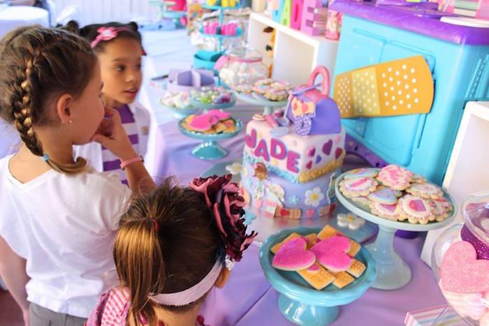 Decoracion fiesta doctora juguetes 18 decoracion de - Decoracion fiesta 18 cumpleanos ...