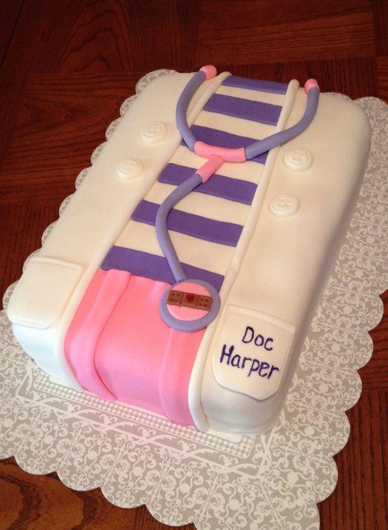 Diseños de pasteles de doctora juguetes