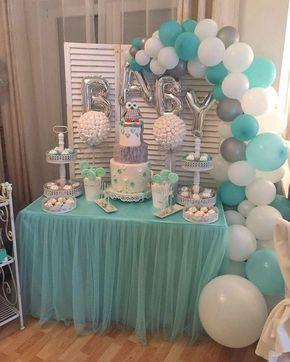 Mesas de postres con globos y tutus