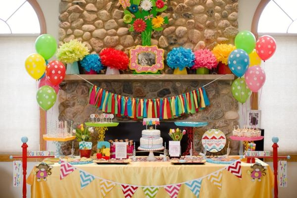 Ideas para decorar mesas de postres en fiestas infantiles for Ideas para decorar mesa de dulces
