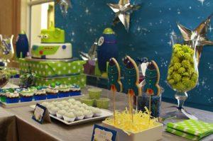 Decoración de Buzz Lightyear para fiesta de cumpleaños