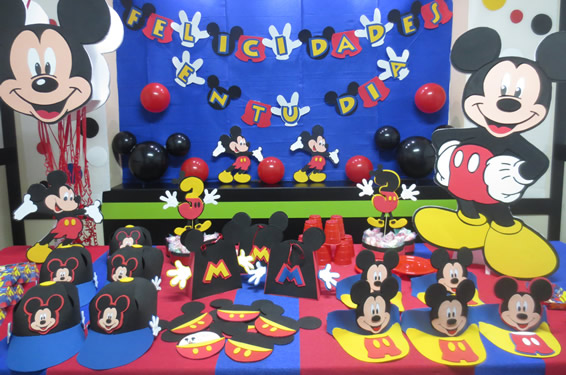 Fiesta infantil de mickey mouse - Decoracion fiestas infantiles en casa ...