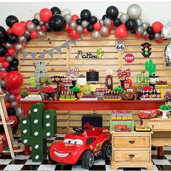 f83a62ab7 Complementa tu fiesta con nuestras ideas del siguente enlace: Pasteles para  fiesta infantil de Cars