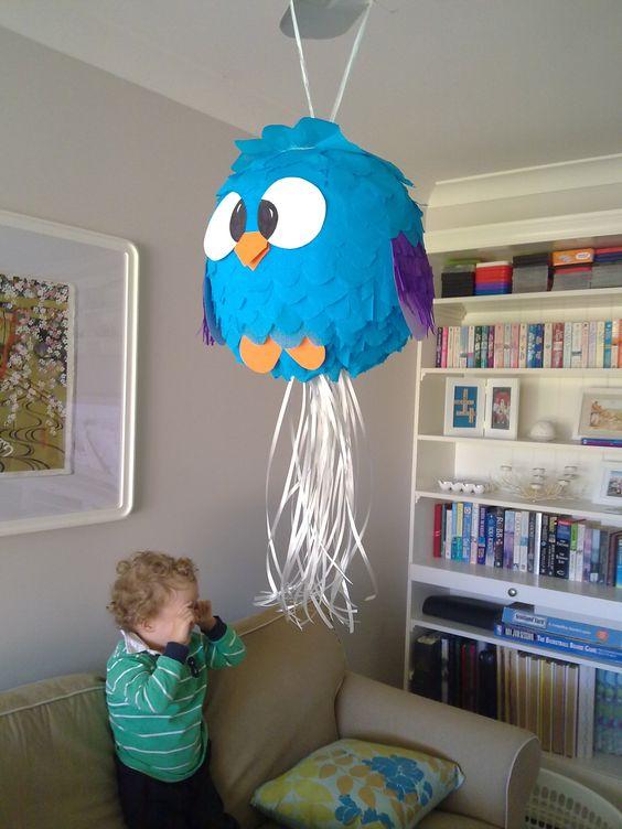 Piñatas de la gallina pintadita