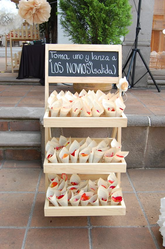 Ideas para una boda civil - Sillas para hacer el amor ...