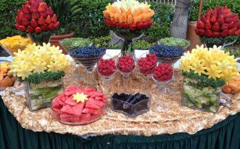 Mesas de Postres Adornadas Con Fruta… ¡Una opción Saludable y Económica!