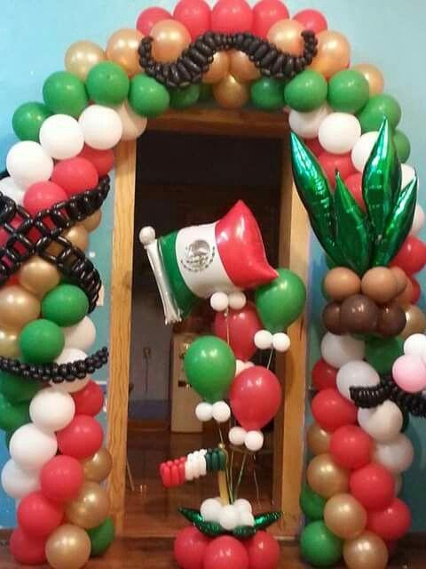 Como organizar una fiesta mexicana para adultos for Mesas diseno famosas