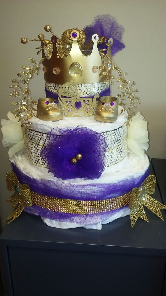 decoracion-de-baby-shower-en-colores-purpura-y-dorado (2)