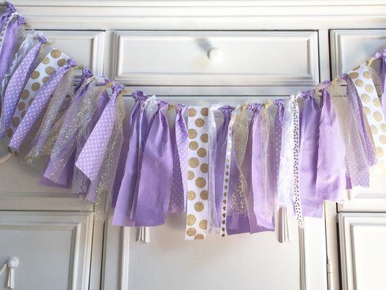 decoracion-de-baby-shower-en-colores-purpura-y-dorado (23)