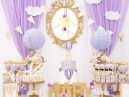 Decoración de Baby Shower en colores purpura y dorado