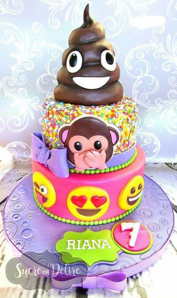Pastel de cumpleaños para fiesta de emojis