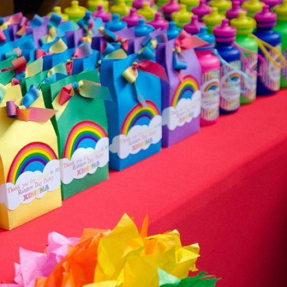 Ideas para un cumpleanos de arcoiris 16 decoracion de - Ideas para hacer en un cumpleanos ...
