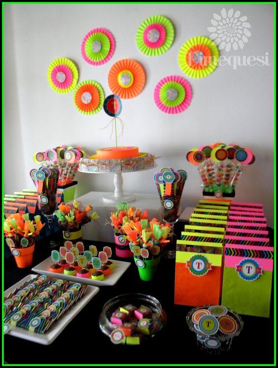 Como hacer una neon party decoracion de fiestas - Como preparar una fiesta de cumpleanos ...