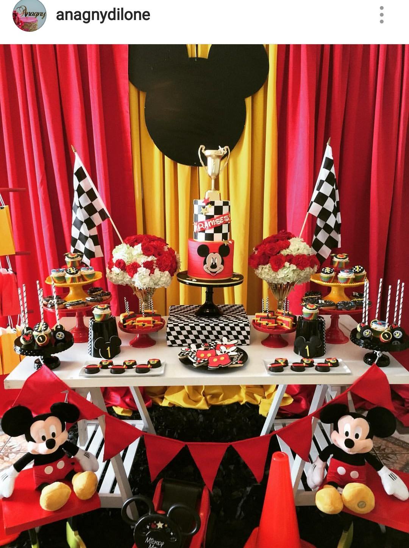 Las mejores ideas para organizar una fiesta de mickey - Decoracion con ruedas ...