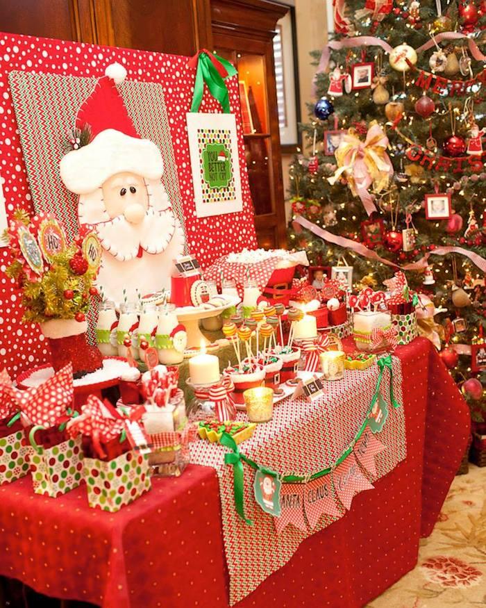 Mesa de postres navideña