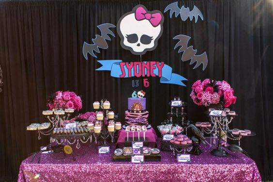 Mesas de postres de monster high