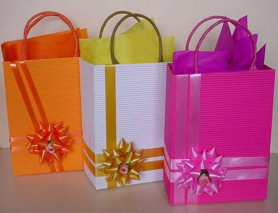 Como envolver regalos for Envolturas para regalos