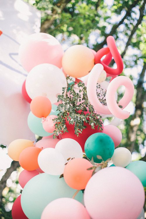 balloon arch for the entrance to a party girl (1)