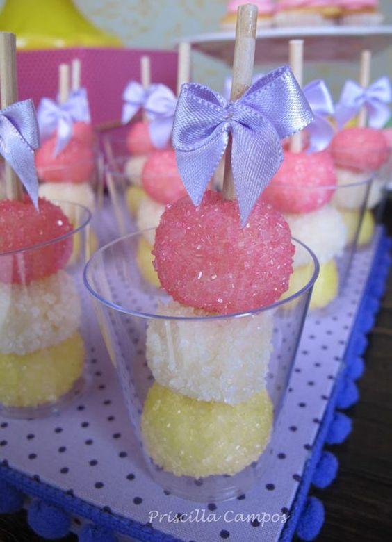 bocadilllos y galletas para mesa de postres fiesta unicornio