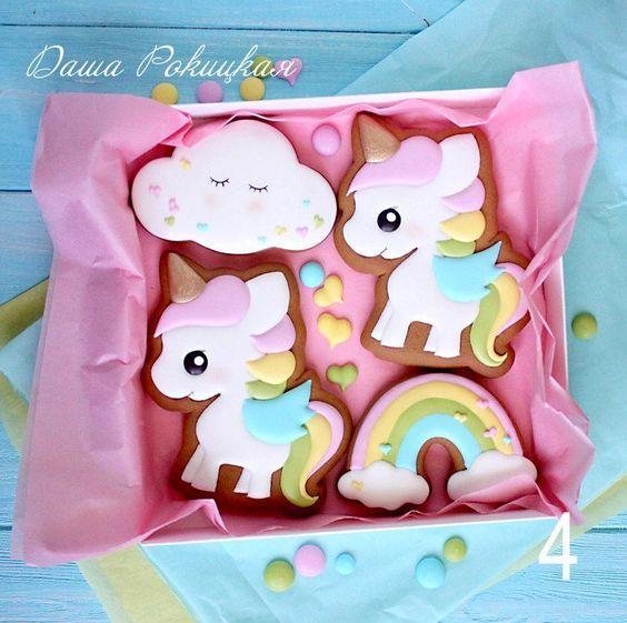 bocadilllos y galletas para mesa de postres fiesta unicornio (11)