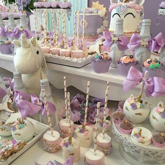 bocadilllos y galletas para mesa de postres fiesta unicornio (4)