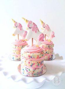 bocadilllos y galletas para mesa de postres fiesta unicornio (9)