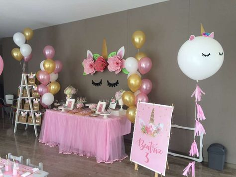 decoracion con globos mesa principal fiesta unicornio (4)