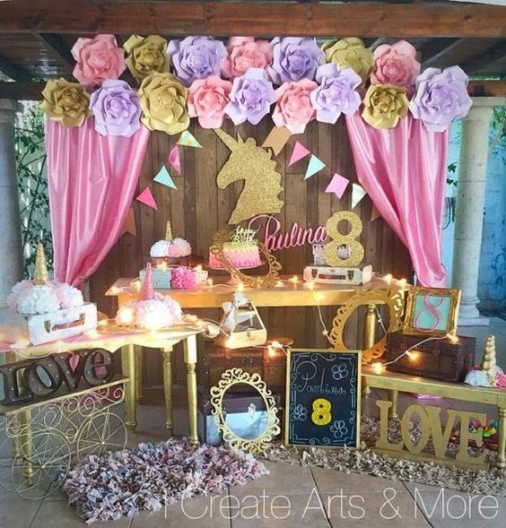 decoracion de mesa principal fiesta de unicornio (10)