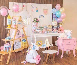 decoracion de mesa principal fiesta de unicornio (14)