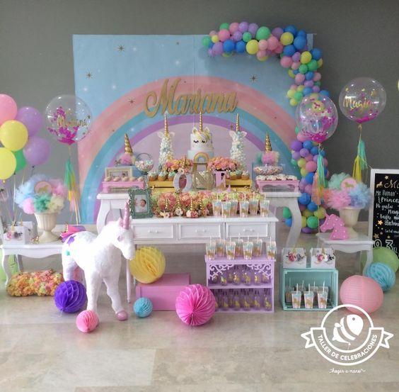 decoracion de mesa principal fiesta de unicornio (2)