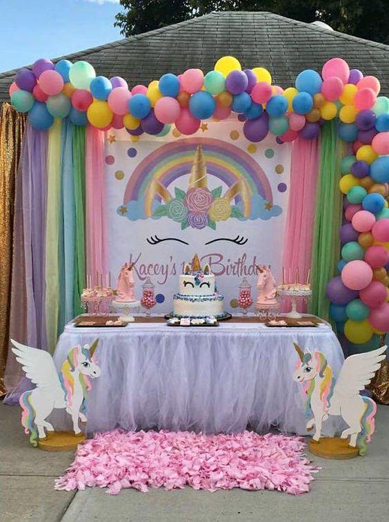 decoracion de mesa principal fiesta de unicornio (6)
