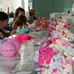 decoracion mesa de los invitados fiesta nina munecas lol (2)