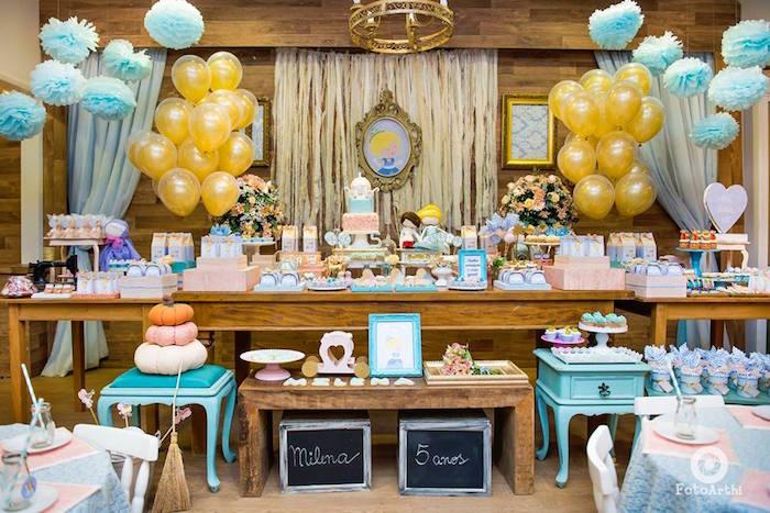 decoracion mesaa principal tema cenicienta con globos (3)