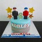 diseno de pastel para fiesta de roblox