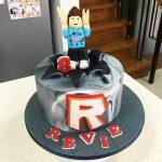 diseno de torta para fiesta de roblox