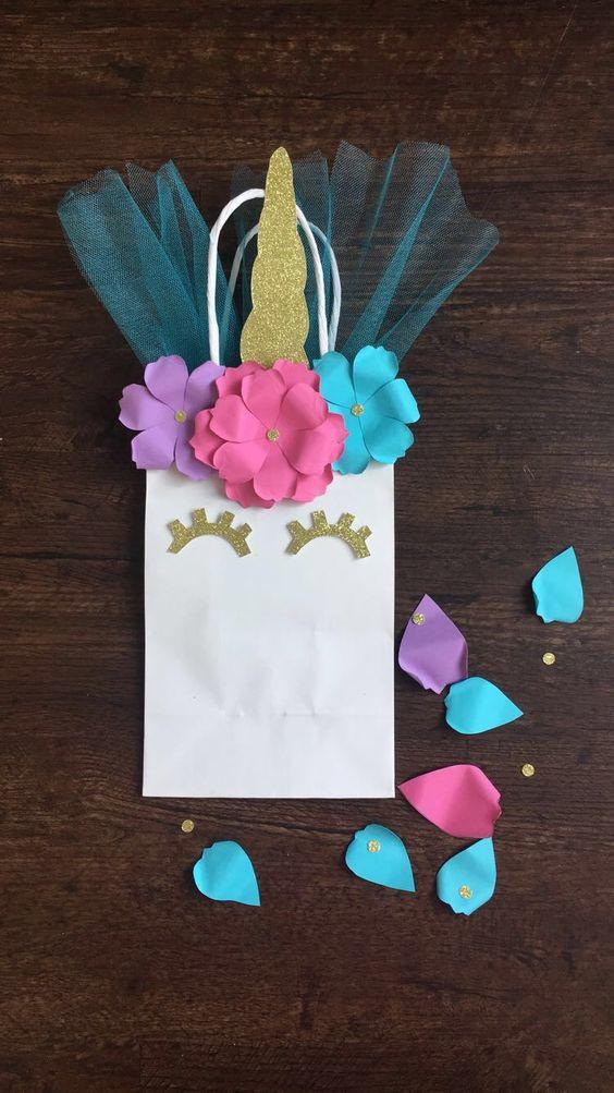 dulceros en bolsas de regalo de unicornio