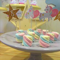 mesa de postres para fiesta de unicornio (3)