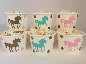 mesa de postres para fiesta de unicornio (4)
