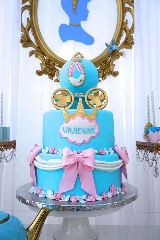 pastel de 2 pisos para fiesta de cenicienta