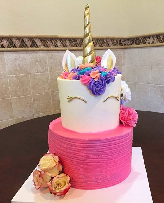 pastel de 2 pisos para fiesta infantil de unicornio (3)