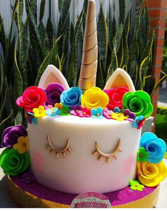 pastel de fondant de unicornio para nina