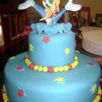 pastel del pajaro carpintero