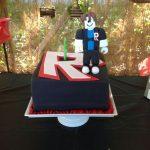 pastel para fiesta de roblox