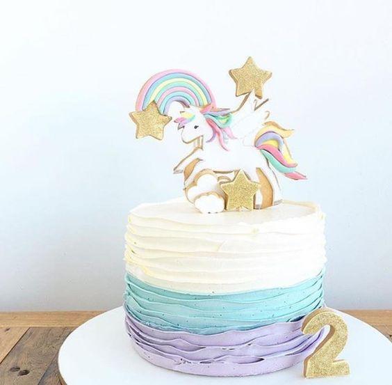 pastel pequeno para fiesta de unicornio (3)