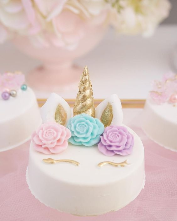 pastel de fondant de unicornio para niña