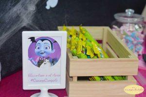 ideas para decorar mesa de postres tematica de vampirina