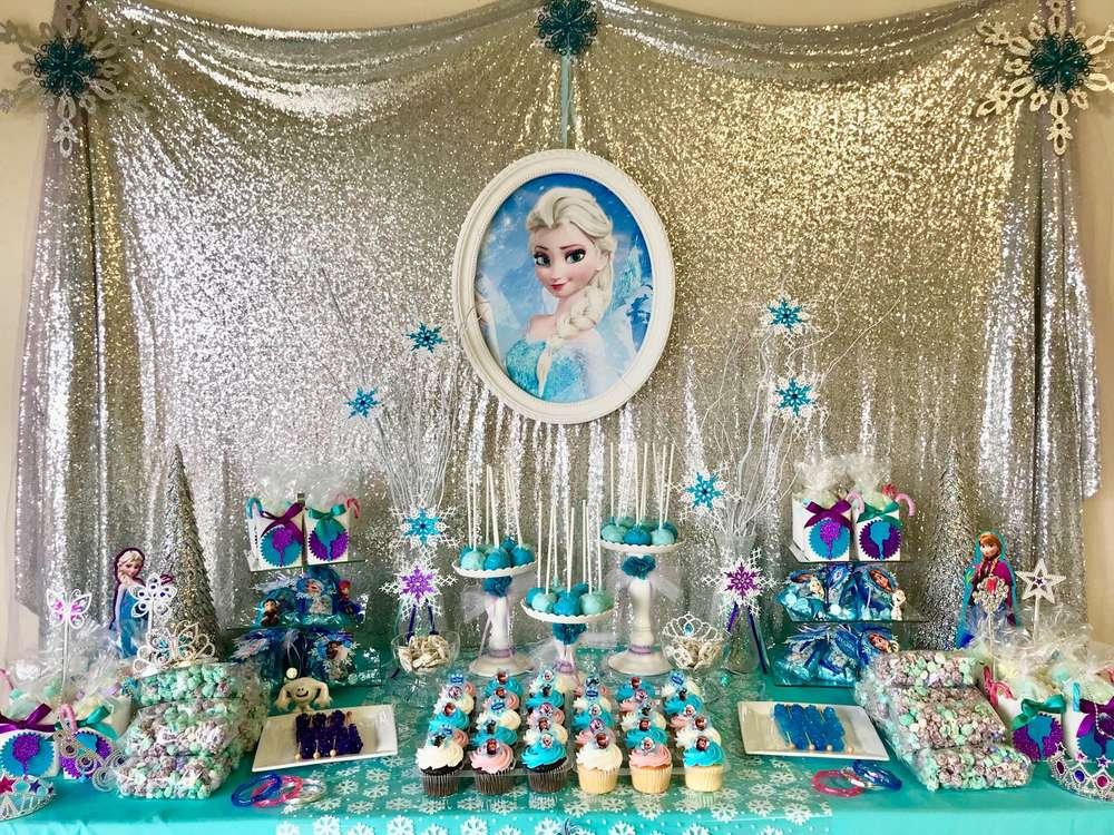 como decorar mesa de dulces de frozen 3