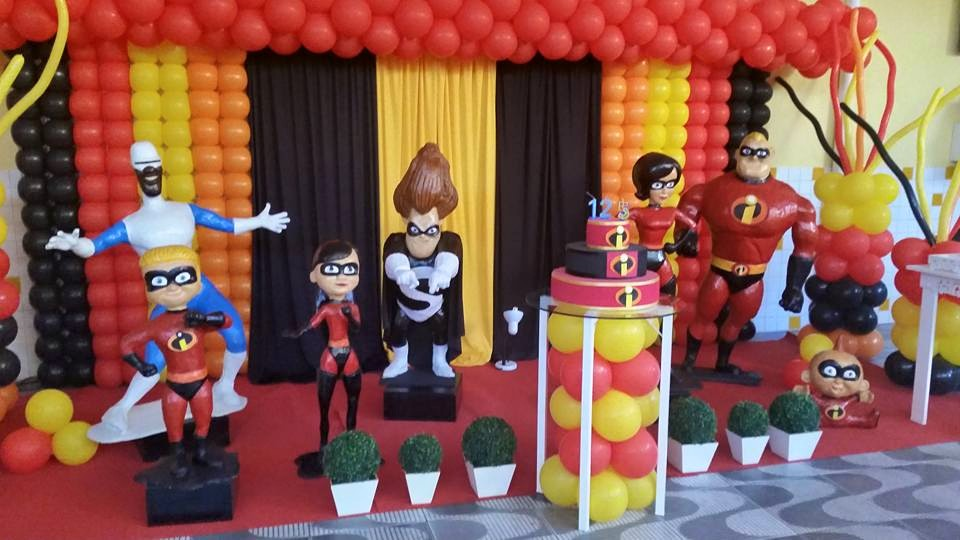 como decorar una fiesta de los increibles con globos (4)