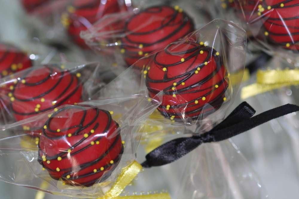 cumpleanos de los increibles mesa de dulces (7)